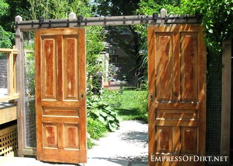 Putting Old Doors To Good Use 12 Ideas For Old Doors And Windows In The Garden