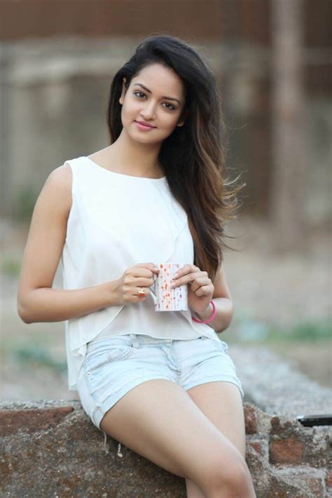 gallery height for pictures shanvi srivastava biography wiki biodata age height
