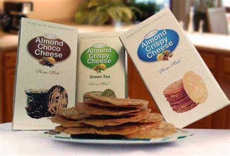 Almond Choco Cheese Wisata Rasa almond crispy cheese dyayu paramitha