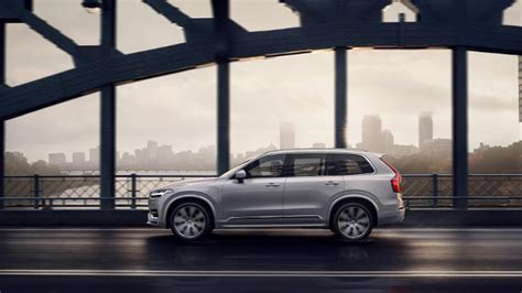 difference between 2019 and 2020 volvo xc90 2020 volvo xc90 now comes with formula 1 style kers