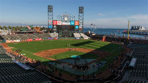 how home field advantage has affected the giants in the