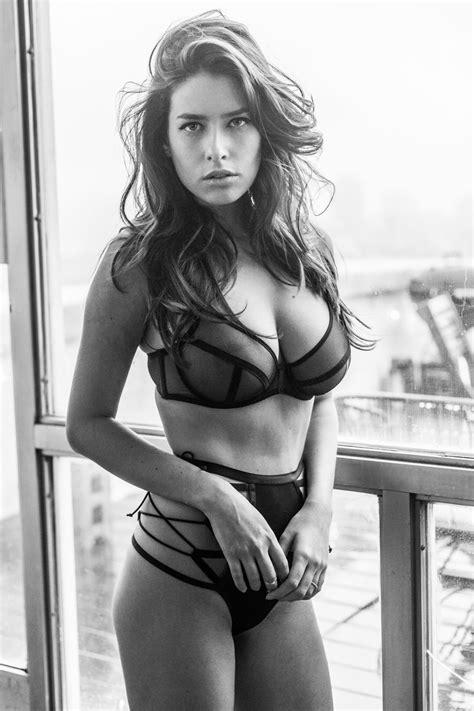 Alice Alexandra Paneaca - I Fucking Love Porn