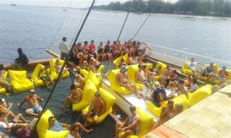 jiggy boat party bali jiggy boat party gili trawangan indonesia review
