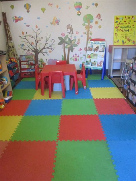 Flooring For Daycare Centers by Organised Ideas To Set Up A Play Room For A Family Day