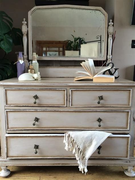 best white paint for furniture 25 best ideas about chalk paint dresser on pinterest