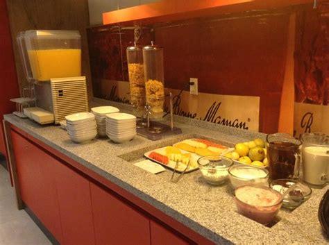 cuarto hotel breakfast buffet foto de ibis mexico perinorte ciudad de mexico breakfast