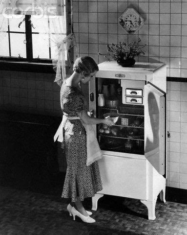 1920's Refrigerator   everyday life in the 20s & 30's