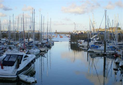 buy a boat uk features 171 yachtworld uk