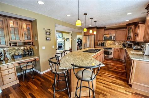 choosing a qualified home remodeling contractor in