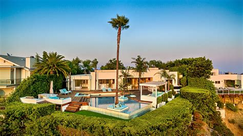 Modern Luxury Bedroom Furniture by Beverly Hills Crest Estate Luxury Retreats