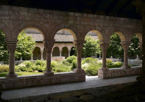 medieval garden style  english garden