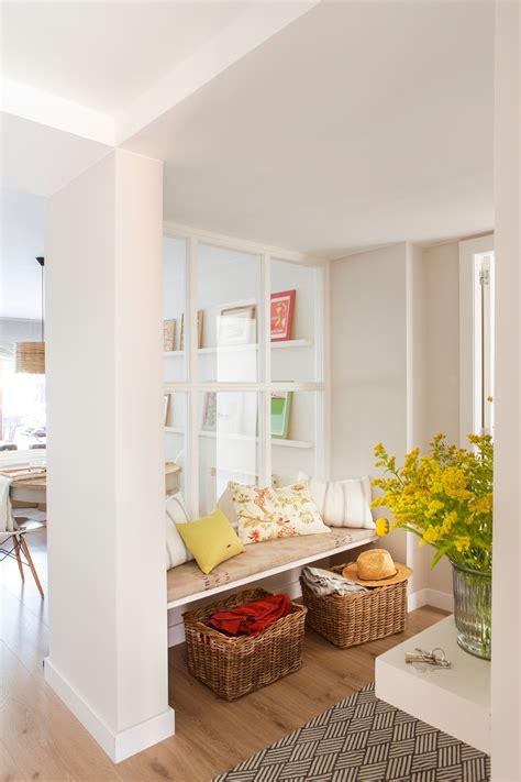 agradable  poner chimenea en casa #1: banco-en-recibidor-con-murete-de-cuarterones-de-cristal-00433975_12986d05.jpg
