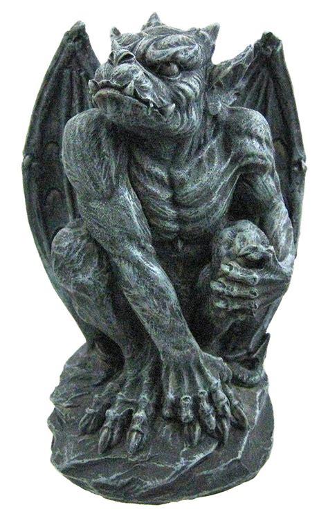 gargoyle statue