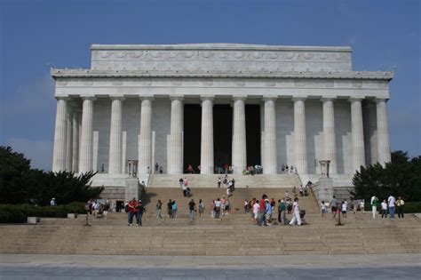 where is the lincoln memorial located in washington dc abraham lincoln memorial wallpaper