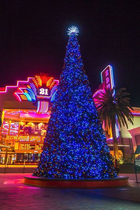 irvine spectrum s dancing xmas tree california apparel