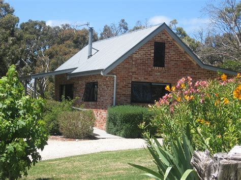 Waratah Cottage by Cabin And Cottage Wilsons Prom Accommodation