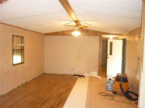 Single Wide Mobile Home Interior Remodel by Best 25 Mobile Home Makeovers Ideas On Mobile