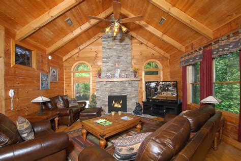 4 bedroom cabins in gatlinburg tn above gatlinburg 4 bedroom cabin rental in gatlinburg tn
