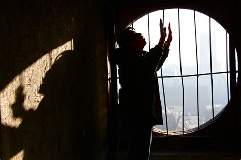 how to pray for the persecuted church