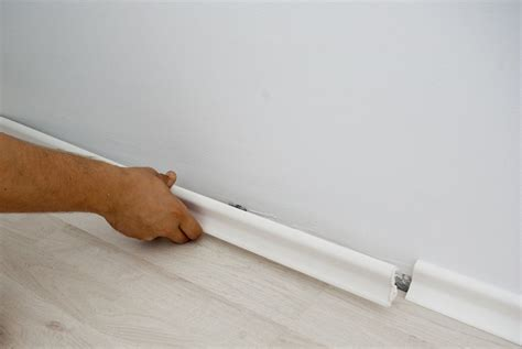 How to replace laminate flooring   HowToSpecialist   How