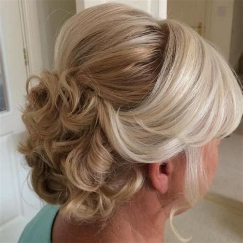 hairstyles for older brides 40 ravishing mother of the bride hairstyles
