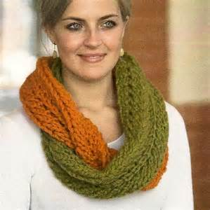 Infinity Scarf Knitting Pattern Free Infinity Scarf Pattern Featuring Plymouth Deaire Yarn