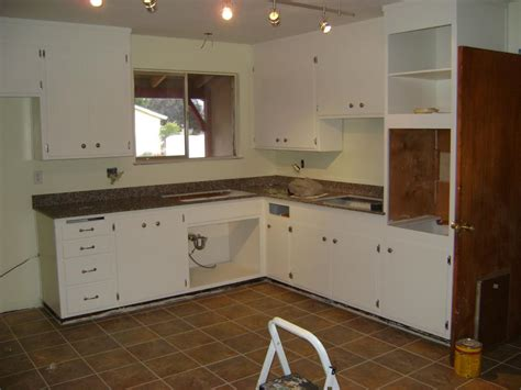 painting kitchen cabinets by yourself designwalls