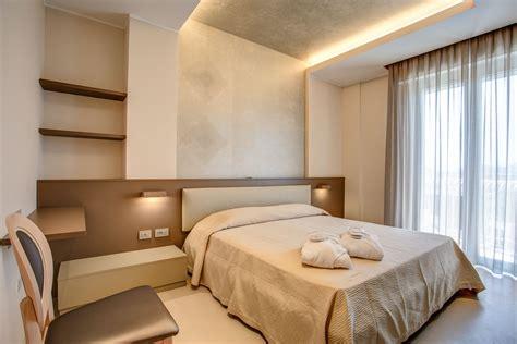 arredamento hotel prezzi arredamento hotel e alberghi camar mobili negozio mobili