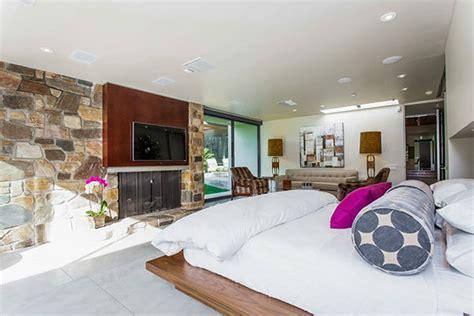 master bedroom origin leonardo dicaprio s multi million dollar palm springs estate kabc7 photos and