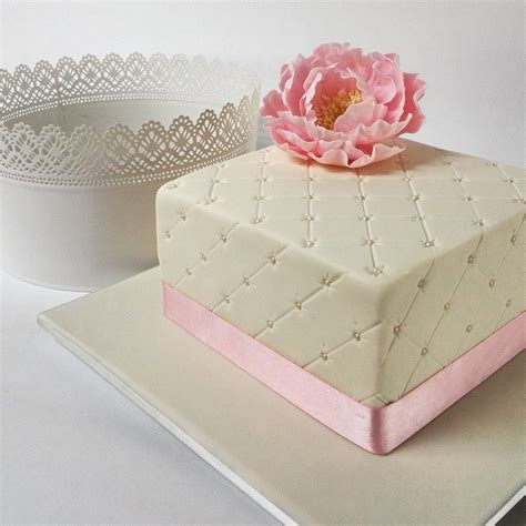 How To Quilt A Square Cake by Pattern Cake2