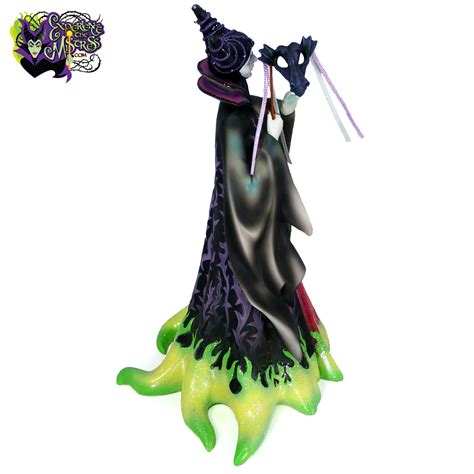 F17 Floral Fashion Air Mask Masker Motif Bunga enesco disney showcase collection couture de masquerade resin figurine