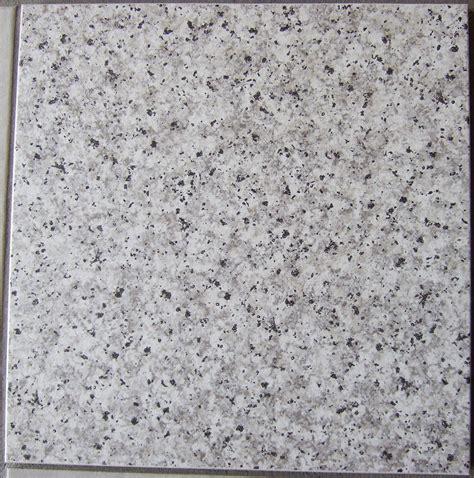 fliese granit herr schmickler schlug uns eine fliese in 187 naturstein