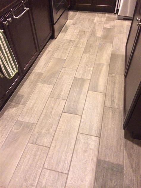 Beautiful Ceramic Tile That Looks Like Wood! Emblem (Color