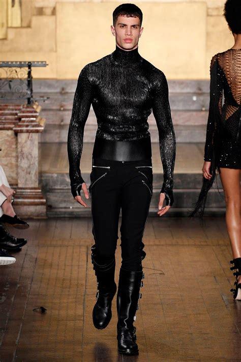 Fashion Week Julien Macdonald Obe And A Bit Of Dame Shirley Bassey by Julien Macdonald Fall Winter 2016 2017 Fashion