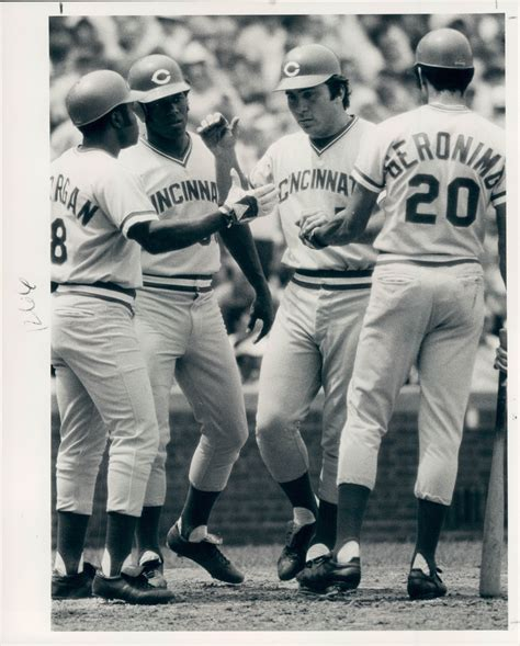 lot detail 1971 77 johnny bench cincinnati reds quot the