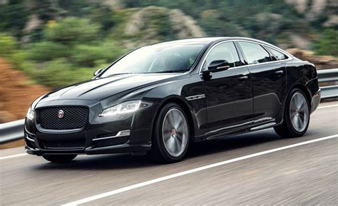 Jaguar Auto Xj by 2016 Jaguar Xj Drive Review Car And Driver