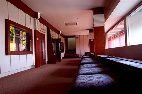 film bioskop hari ini di e plaza semarang beyond the traveling bioskop e plaza alternatif menonton