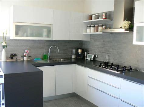 coprire piastrelle cucina coprire piastrelle cucina con pannelli il meglio