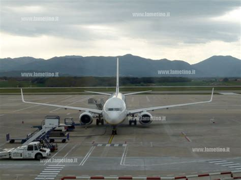 volo venezia porto lamezia aeroporto prosegue volo volotea per venezia il