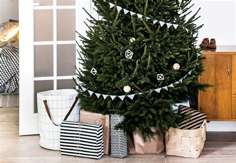 rotating tree stand for real trees tree base ideas 100 images rotating tree stand for