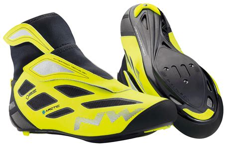 winter road bike shoes six of the best winter cycling shoes road cycling uk
