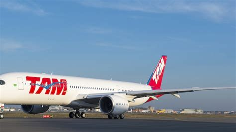tam airlines reveals their first a350 xwb aviatoraero tam brings airbus a350 to miami airlinegeeks com
