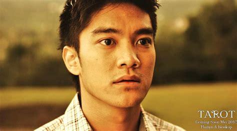 film mika tambayong dan boy wiliam boy william hati hati agar tak terbakar di tarot kabar