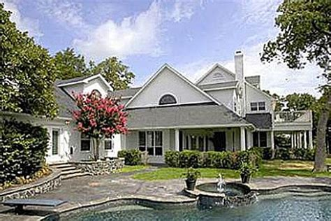 whose house can you guess which country star s house this is