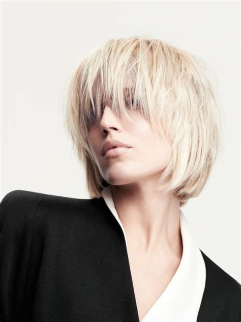 unsere top  blonden kurzhaarfrisuren platz