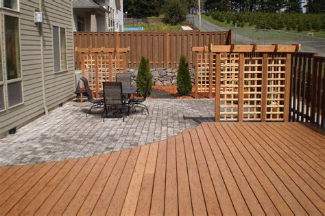 Difference Between A Patio And A Deck by Helping You Choose Between A Deck And A Patio