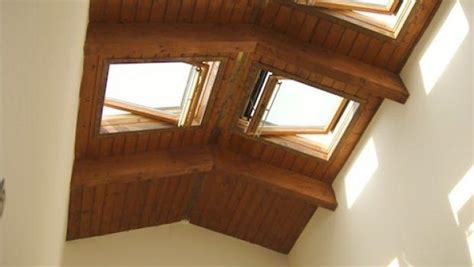 ladari per mansarde illuminazione tetti spioventi illuminazione tetti