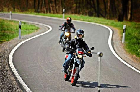 Motorrad Leihen Stuttgart by Rems Murr Kreis Polizei Muss Sich Motorrad Leihen