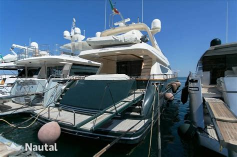 riva yacht noleggio noleggiare yacht riva opera 80 s a marina di casamicciola