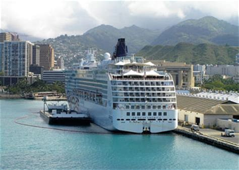 Wraparound Deck by Cruise Ship Pride Of America Picture Data Facilities